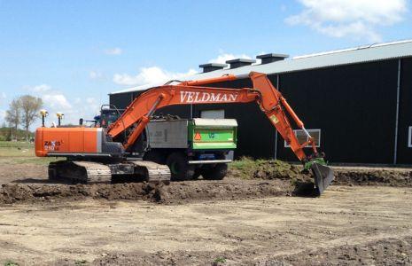 Loonbedrijf Veldman - Zaxis 210LC Uitgraven