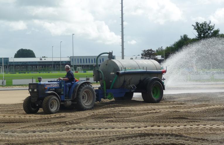 Loonbedrijf Veldman - Bewateren sportveld